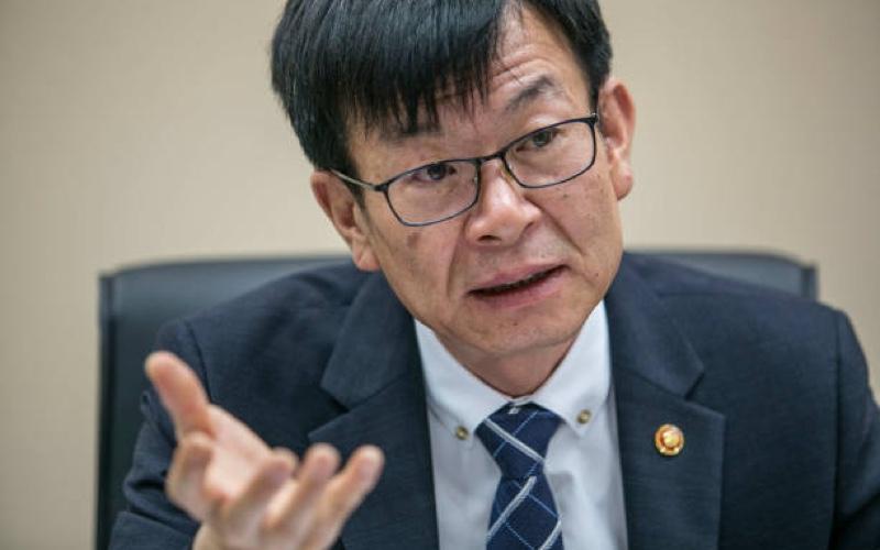 Kim Sang-Joo en contra de la prohibicion de criptomonedas