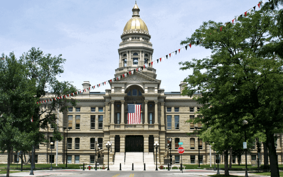 Wyoming sigue promoviendo leyes pro criptomonedas