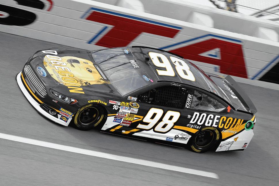 Auto de NASCAR de Dogecoin