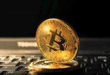 Bitcoin sobrepasa los $8.300 y vuelve a $8.000