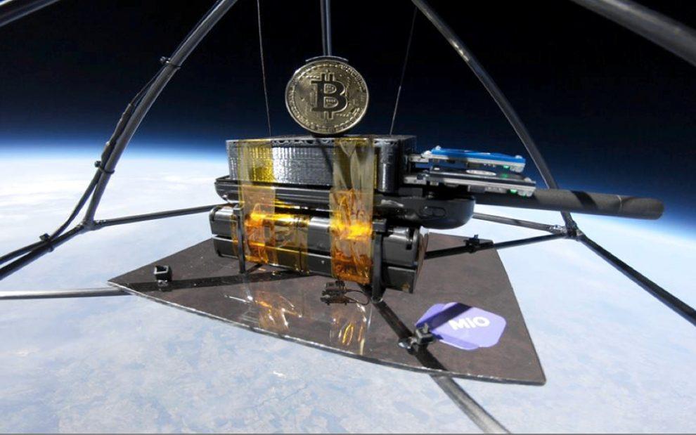 Minan Bitcoin en el espacio