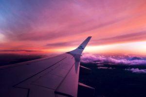 Compañía ofrece boletos de avión pagados criptomonedas