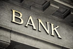 Weiss Ratings cree que las criptomonedas seran mas seguras que los bancos
