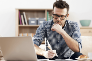 Plataformas freelance que pagan con criptomonedas